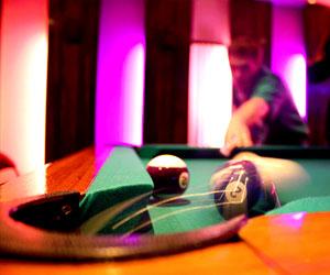 Billiard balls photo by Benjamin Linh VU