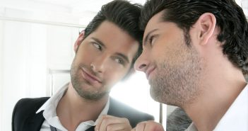 Neuroimaging study: Narcissists feel distressed rather than gratified when viewing themselves