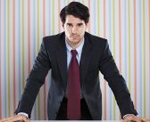 Study finds power posing has no beneficial effects in real-world situations