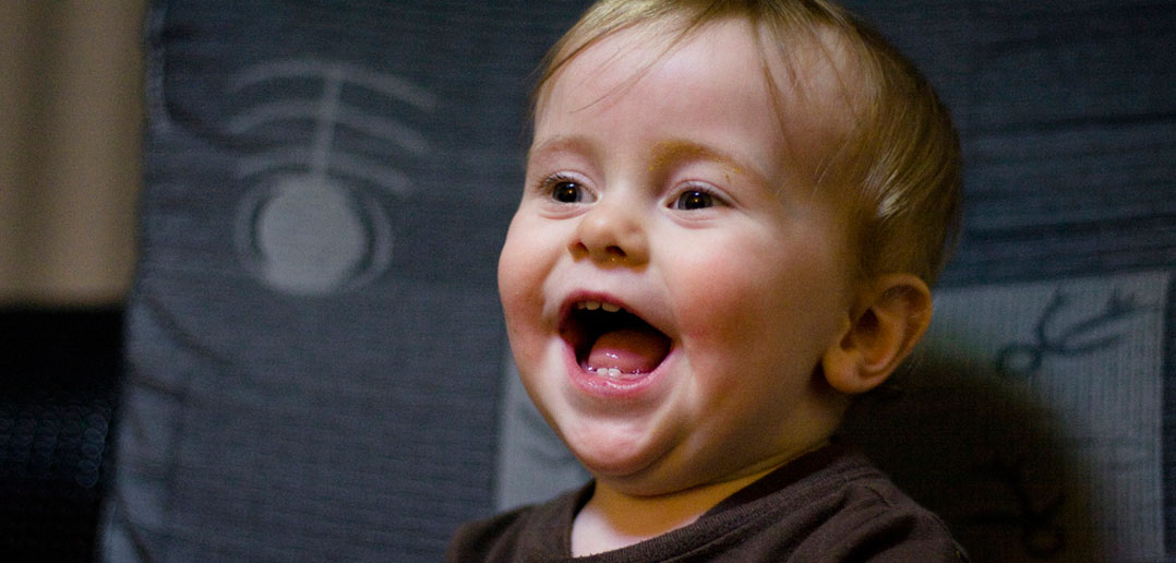 Why Do Those With Autism Avoid Eye >> Toddlers With Autism Don T Avoid Eye Contact But Do Miss Its