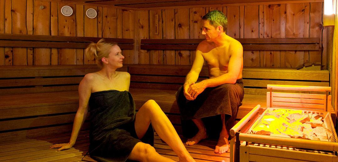 Anne hathaway nude shower